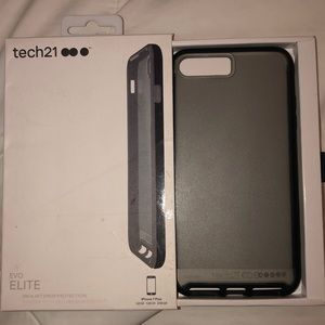 Black Tech 21 Evo Lite iPhone 8 Plus Case